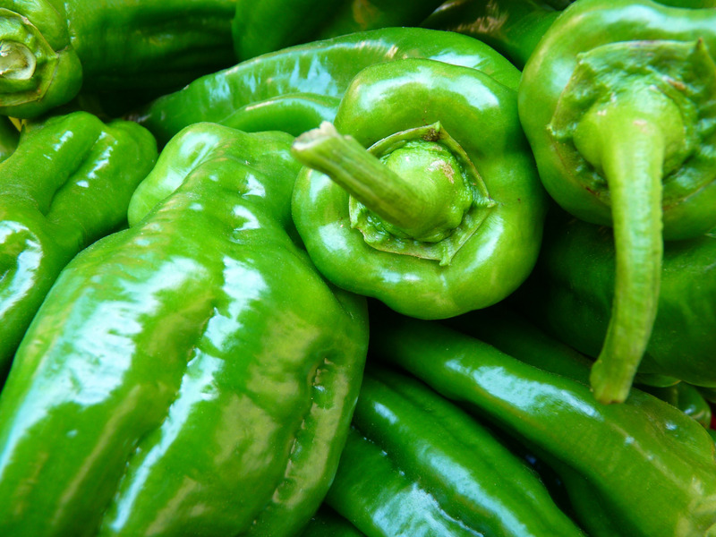 อาหารที่มี Quercetin สูง เช่นพริกหยวกสีเขียว